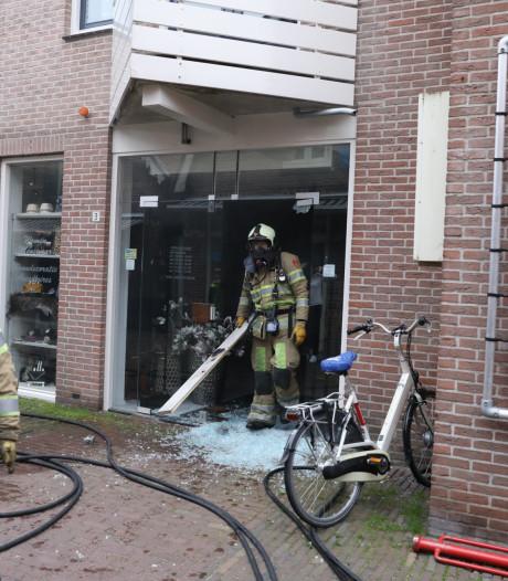 Rookschade in kledingwinkel Spakenburg na brand