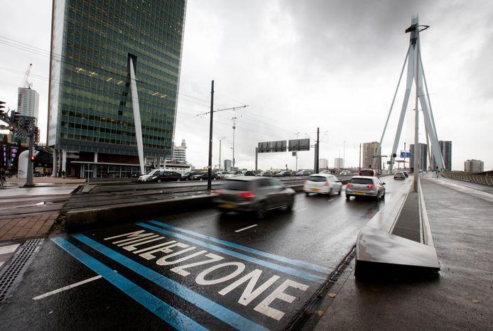 Het terugdringen van de uitstoot van broeikasgas, zoals met de milieuzone in het centrum van Rotterdam, is belangrijk voor de kwaliteit van de leefomgeving.
