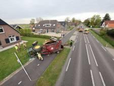 Wiel vliegt spontaan los, trekker raakt van de weg in Oldebroek: 'Ik hoorde een enorme knal'