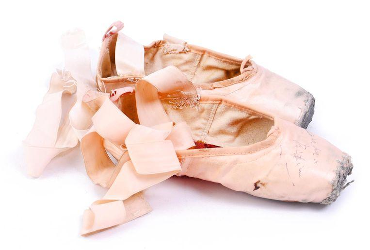 Spitzen van de Nederlandse ballerina Alexandra Radius. Beeld introdans