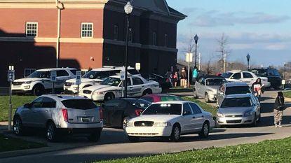 """Meisje (17) overleden bij """"onopzettelijke schietpartij"""" in school in Alabama"""