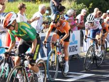 LIVE | Nederlandse favorieten goed mee in volle finale WK wielrennen, wie volgt Van der Breggen op?