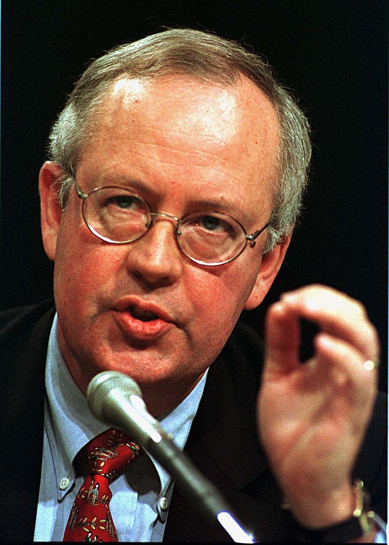 In 1998 kwal het Starr-rapport uit, een gedetailleerd verslag van 222 pagina's waarin hij – op basis van Whitewater en de Lewinsky-affaire – besloot dat 'het gedrag van president Clinton grond voor afzetting was. Beeld Photo News