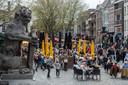 Terwijl in de Avenue DigiJazz is begonnen is de Bredase Grote Markt goed gevuld. 'Al missen we de jazz wel een beetje'
