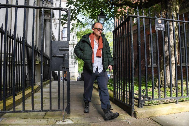 Dominic Cummings arriveert op Downing Street 10. Beeld AP
