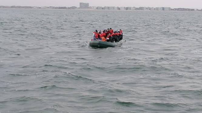 """""""Steek ze maar zonder zwemvest in die boot"""": mensensmokkelaars die vluchtelingen met kinderen de Noordzee opstuurden krijgen tot 12 jaar cel"""