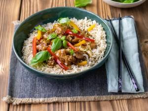 Wat Eten We Vandaag: Rijst met kip en groenten in een zelfgemaakte saus