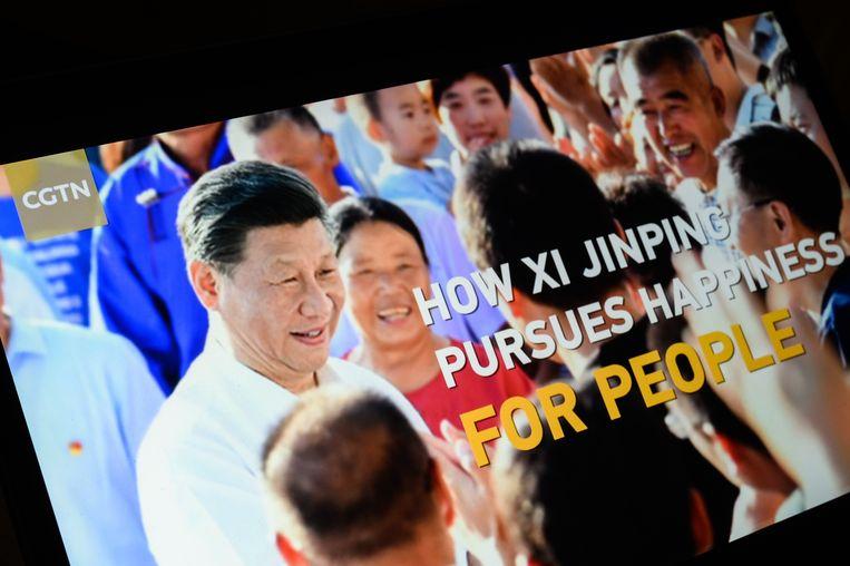 'Hoe Xi Jinping geluk nastreeft voor het volk.' Een programma op de Chinese Engelstalige nieuwszender CGTN. Volgens de Britse toezichthouder wordt de zender redactioneel aangestuurd door de Chinese communistische partij. Beeld Getty Images