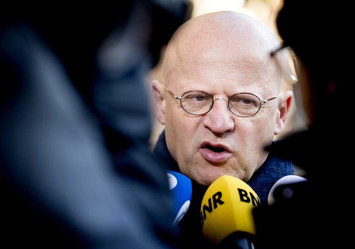 Ferd Grapperhaus, minister van Justitie en Veiligheid arriveert op het Binnenhof voor de wekelijkse ministerraad.