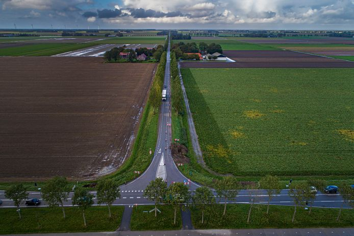 De Weg van Ongenade tussen Espel en Emmeloord. Hier werd op 28 september een scholier aangereden door een auto. Hij overleed twee dagen later in het ziekenhuis.