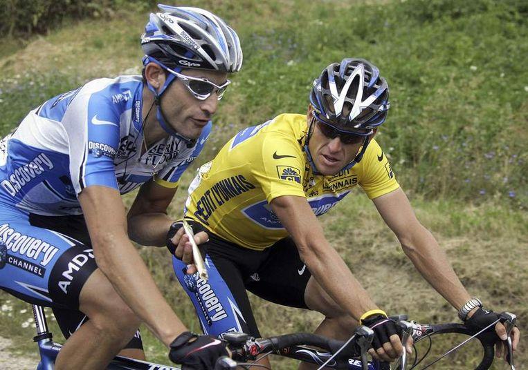 Lance Armstrong met ploegmaat Hincapie die hij nog altijd een vriend noemt.