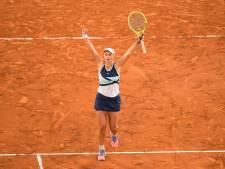 Barbora Krejcikova sauve une balle de match contre Sakkari et se hisse en finale