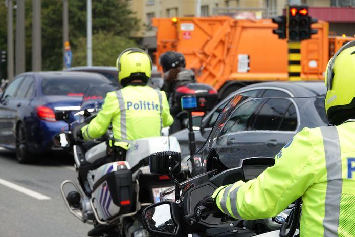 Motards van de politiezone Vlas voerden de controles uit.