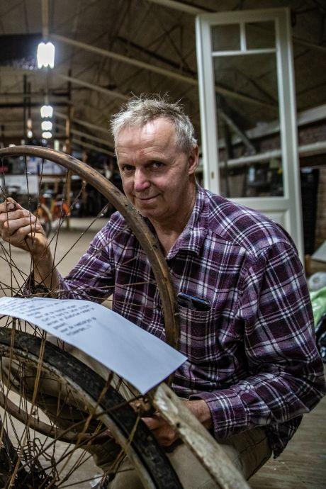 Rob (61) is apetrots op 'eerste' Deventer fietsmuseum: 'We hadden die fietsen eigenlijk over'