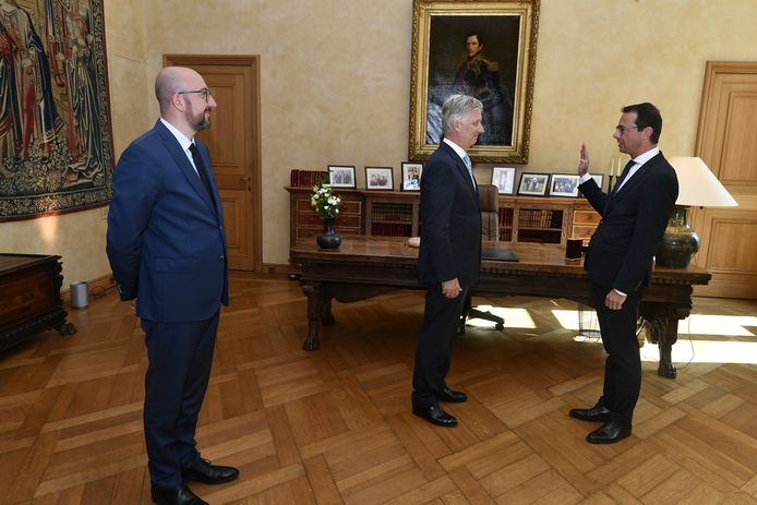 Beke legde de eed af in aanwezigheid van premier Charles Michel (MR).