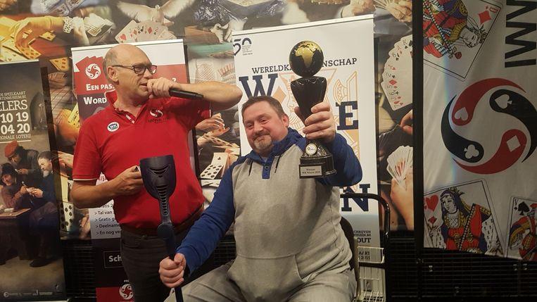 Bart Van Peteghem wint WK Wiezen in Turnhout.