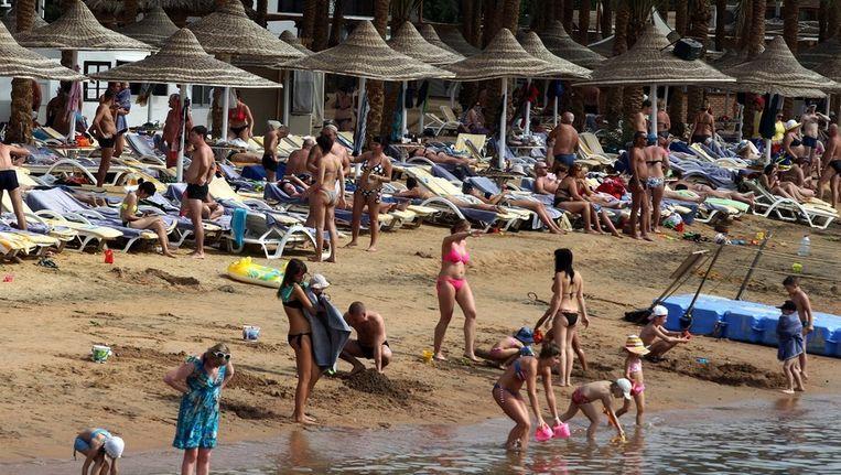Toeristen in een resort in Sharm-el-Sheikh. Beeld EPA
