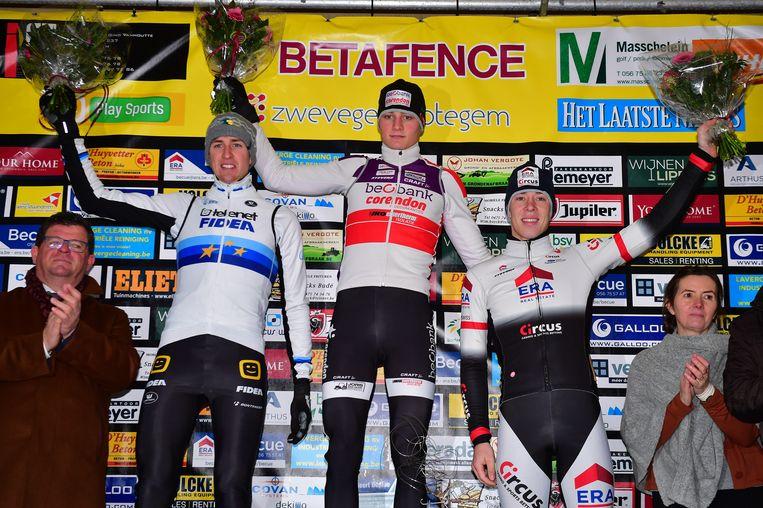 Voor Van der Poel was het al de zestiende zegeruiker van het seizoen Beeld BELGA