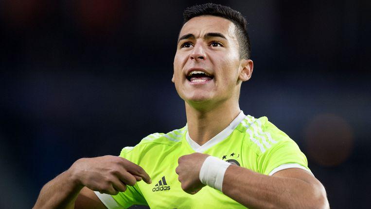 Anwar El Ghazi viert zijn doelpunt namens Ajax tegen PSV. Beeld anp