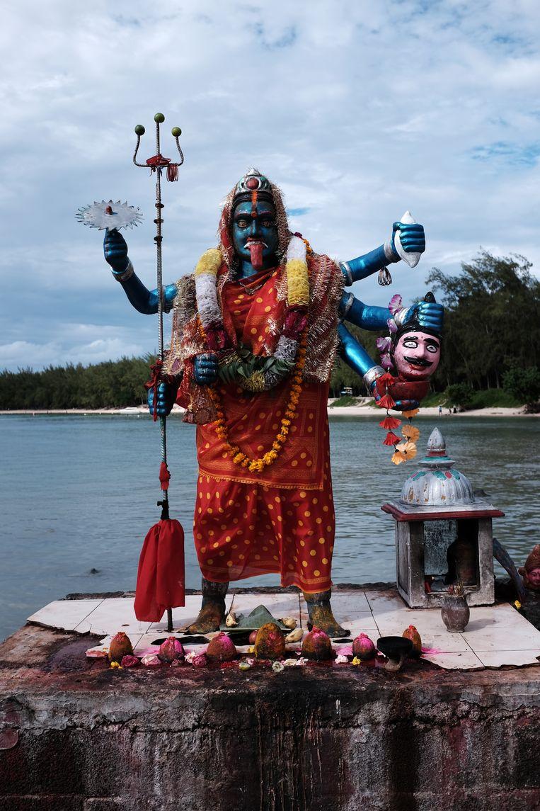 Mauritius is het enige Afrikaanse land waar hindoeïsme de belangrijkste godsdienst is, net over vijftig procent. Beeld Jesse brouns