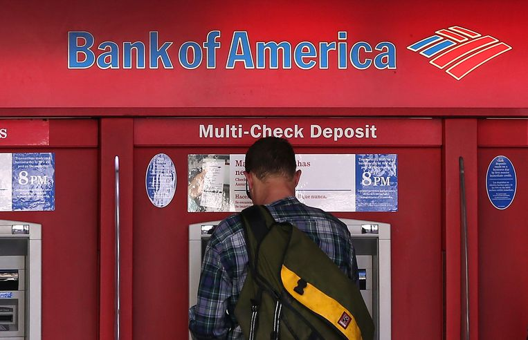Een geldautomaat van Bank of America Beeld getty