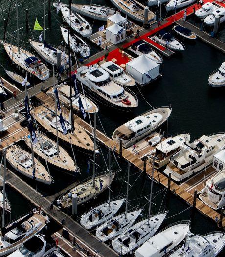 Mercedes, boten en motoren afgepakt om illegale handel; vader en zoon bestraft