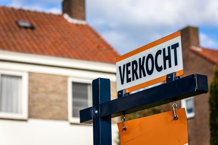 En starterslening maakt huizen bereikbaar voor nieuwkomers op de huizenmarkt.