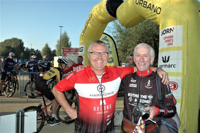 Voorzitter Eddy Vercruysse en oudste  deelnemer Rufin Nachtergaele aan de start van de Classic Tour.