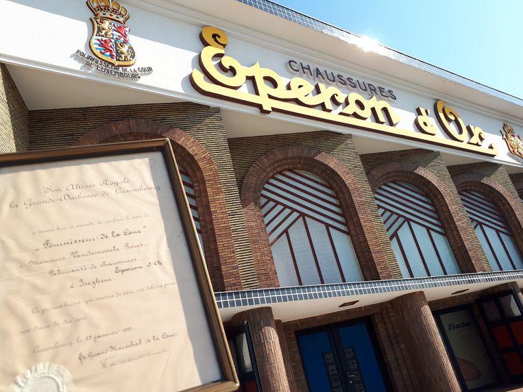 De nieuwste aanwinst van het museum: een koninklijke akte die bewijst dat Eperon d'Or ooit hofleverancier was