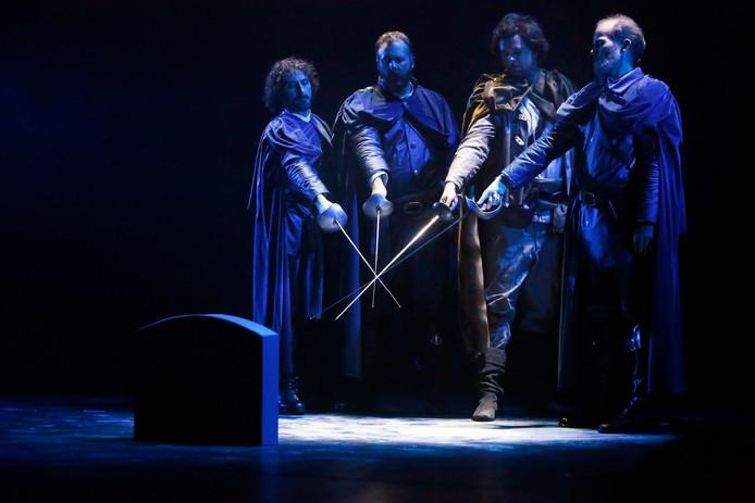 Een eerdere musical van het Brabants Muziek-Theater: 3 Musketiers.