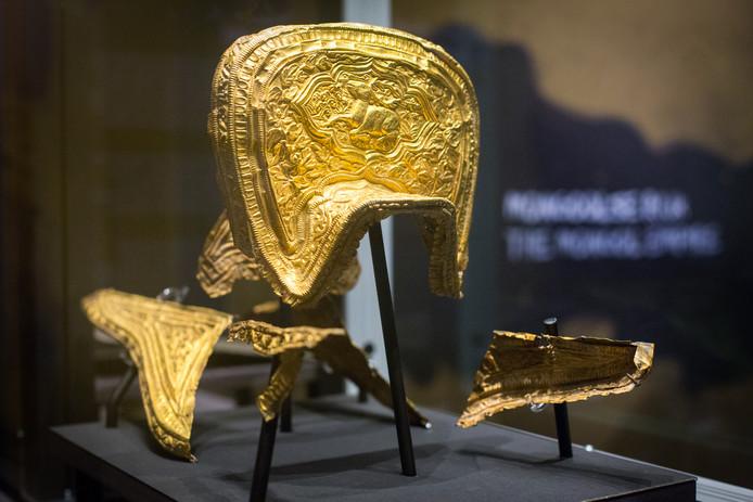 Een gouden zadel is een van de topstukken op de tentoonstelling.