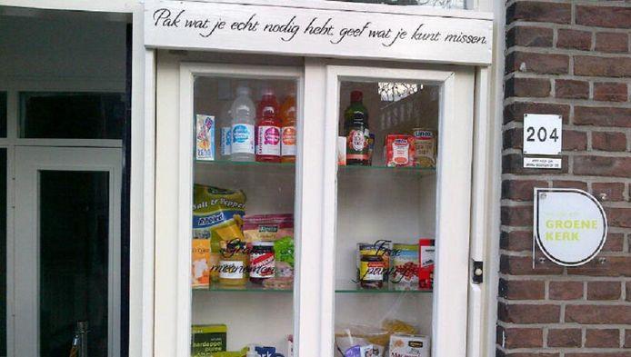 De little free pantry aan de Lage Gouwe 204.