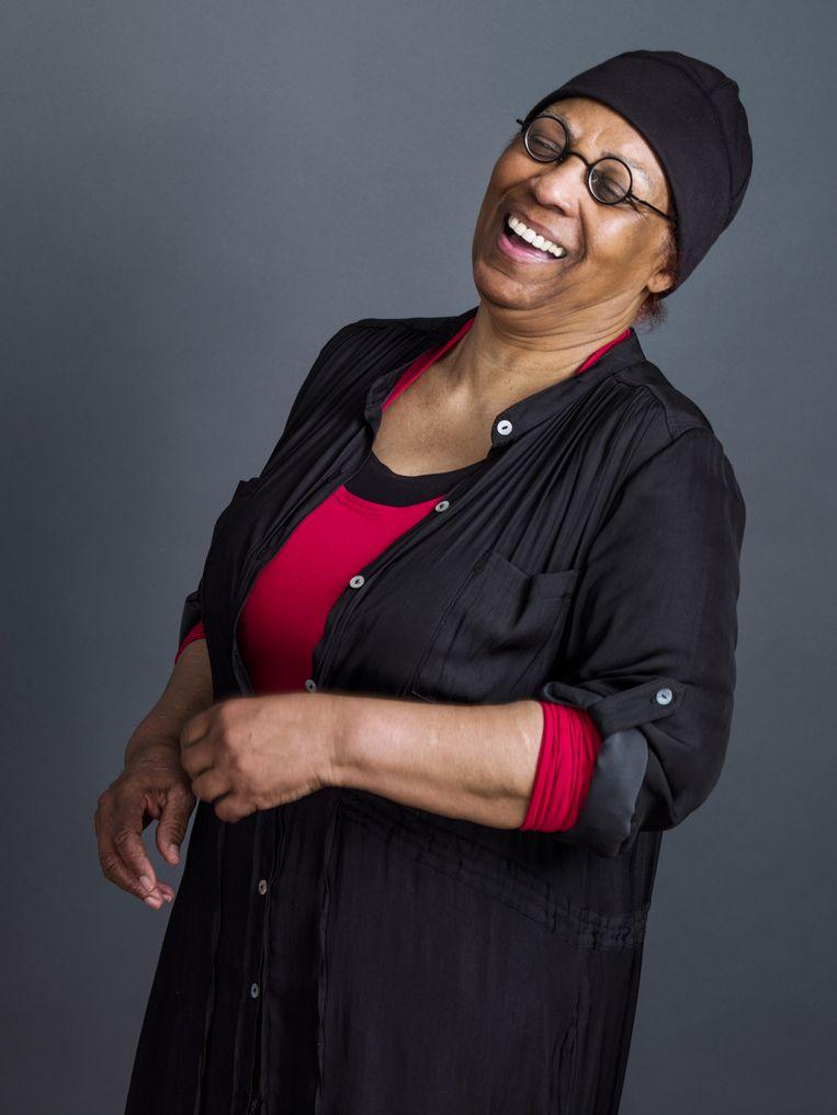 Schrijfster Astrid H. Roemer (Paramaribo 1947) krijgt in oktober de Prijs der Nederlandse Letteren 2021. Voor haar gehele oeuvre, waarin thema's als migratie, seksuele oriëntatie, racisme en emancipatie een belangrijke rol spelen, ontving ze  in 2016 ook al de P.C. Hooft-prijs. Beeld Koos Breukel