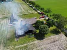 Spanning slaat toe bij Gerard, terwijl zijn schuur in Lemelerveld in brand staat: 'Eerst belde ik 223'