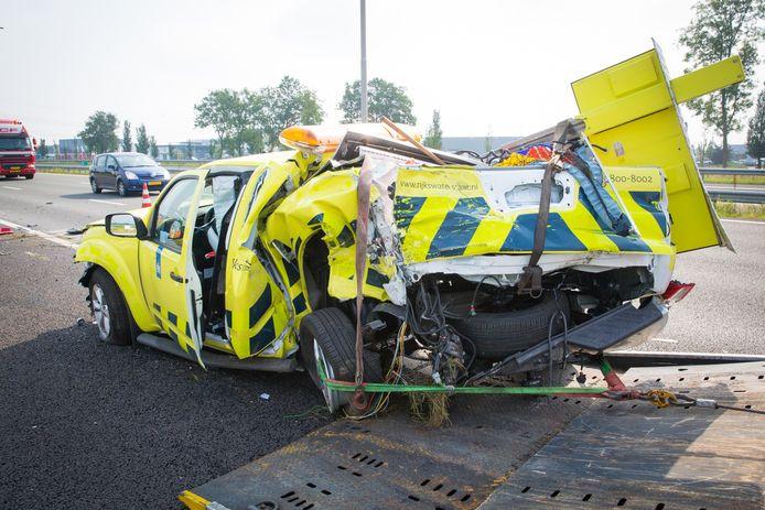 Een vrachtwagen ramde in de zomer van 2014 een auto van een weginspecteur op de A28 bij Zwolle. De weginspecteur beveiligde op dat moment een pechgeval.