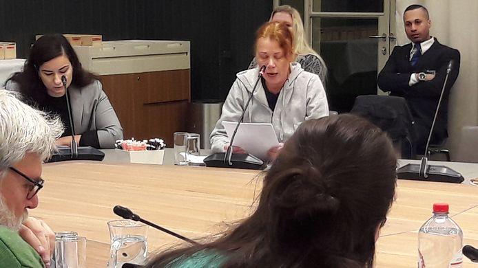 Nettie de Monte uit de Tweebosbuurt deed in de commissievergadering haar beklag over de voorgenomen sloop van haar woning. Het mocht niet baten.