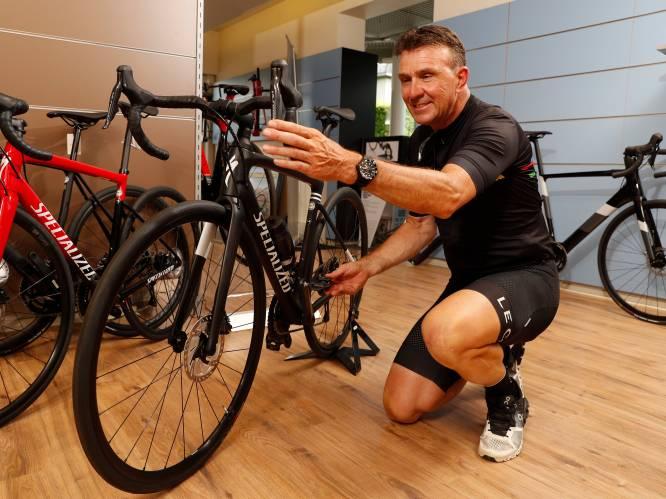 """Welke koersfiets past bij jou? En welke is je geld waard? Johan Museeuw doet de test en geeft advies: """"Laat fietsenhandelaar lichaamsanalyse doen"""""""