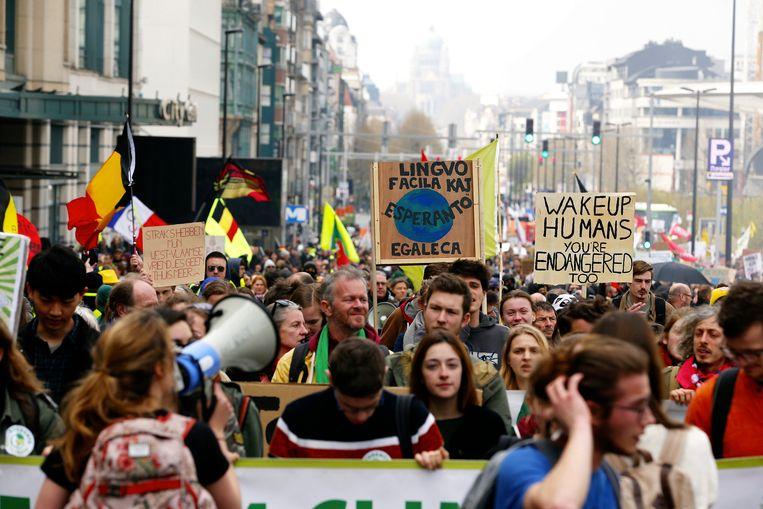 Afgelopen zondag kwamen onder meer in Brussel en Luik opnieuw duizenden mensen op straat voor het klimaat. Beeld BELGA