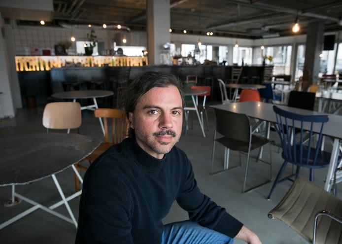 Siem Nozza, organisator van het DIT festival en voormalig woordvoerder van Extrema, vindt dat het nachtleven in Eindhoven niet past bij de diversiteit van de stad.
