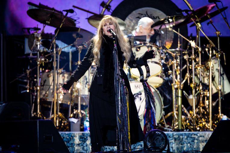 Stevie Nicks van Fleetwood Mac, maandag op Pinkpop. Beeld Ben Houdijk