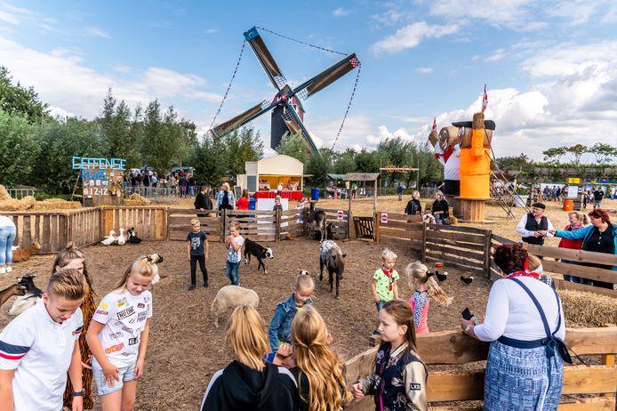 Onder het motto 'Effe Vur Geffe' werden vorig jaar de Molenfeesten georganiseerd.