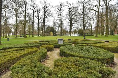 Waar is het beeld van Hercules in Park Valkenberg in Breda?