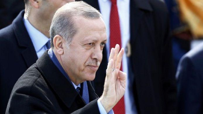 Tot 9 april kunnen Nederlandse Turken op Zichtenburg beslissen of ze president Erdogan meer bevoegdheden willen geven.