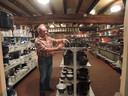 :Wim van Heeswijk van het emaillemuseum in Erp.