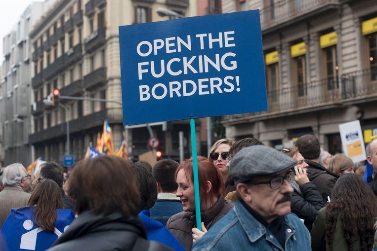In Barcelona waren dit weekend 160.000 mensen bijeen tijdens een demonstratie, om Madrid aan te manen om de duizenden vluchtelingen op te vangen, zoals het in 2015 had beloofd. Beeld AFP
