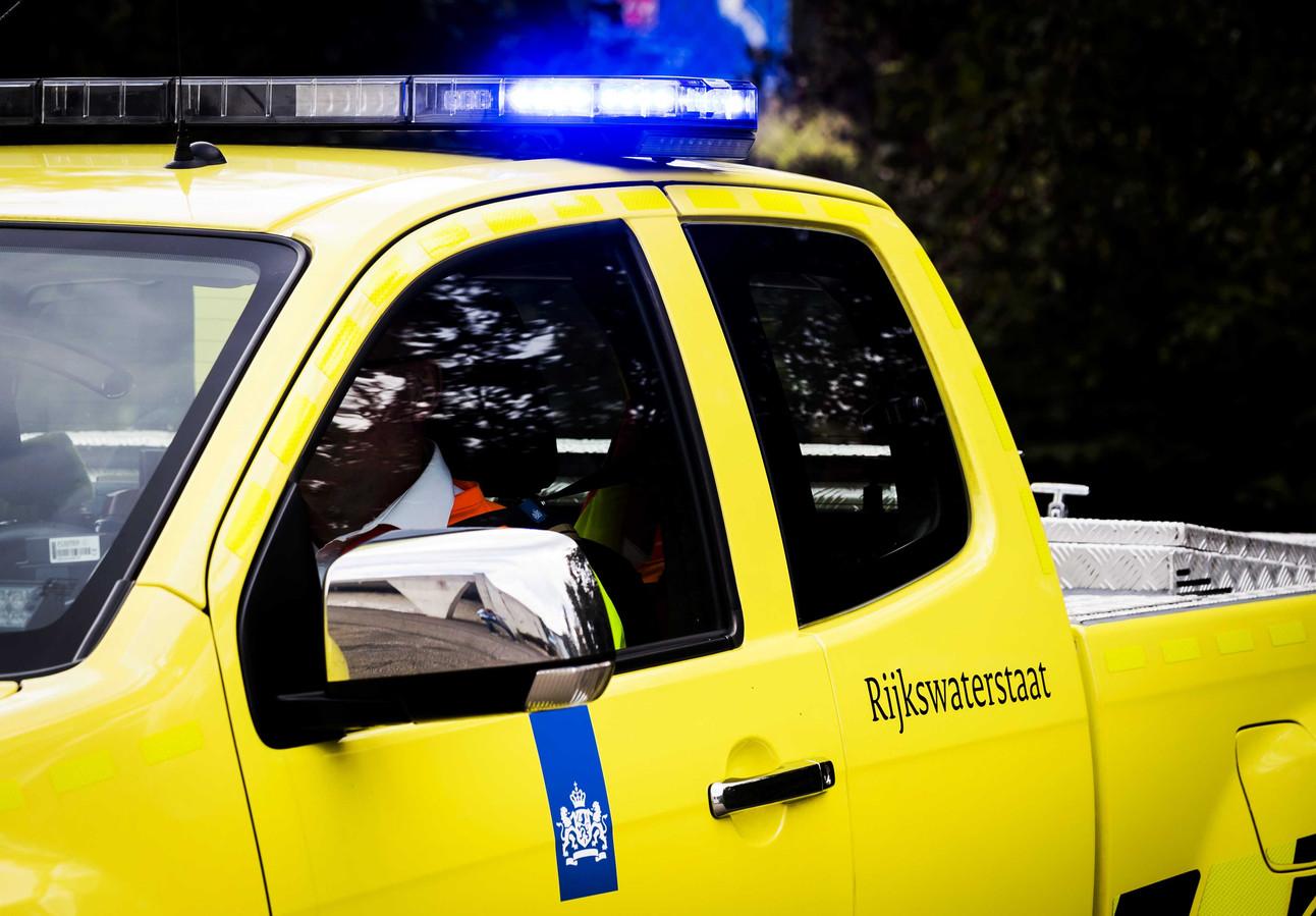 Weginspecteurs van Rijkswaterstaat blijven op de hoogte van de toestand op de wegen dankzij data die auto's online gaan doorgeven.