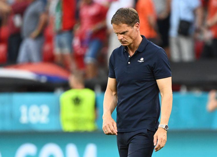 Bondscoach Frank de Boer (l) na het verlies tegen Tsjechië. Beeld AP