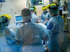 """""""Une facture de 7.000 euros après un an, on ne s'y attendait pas"""": quels frais pour les patients de la Covid-19?"""