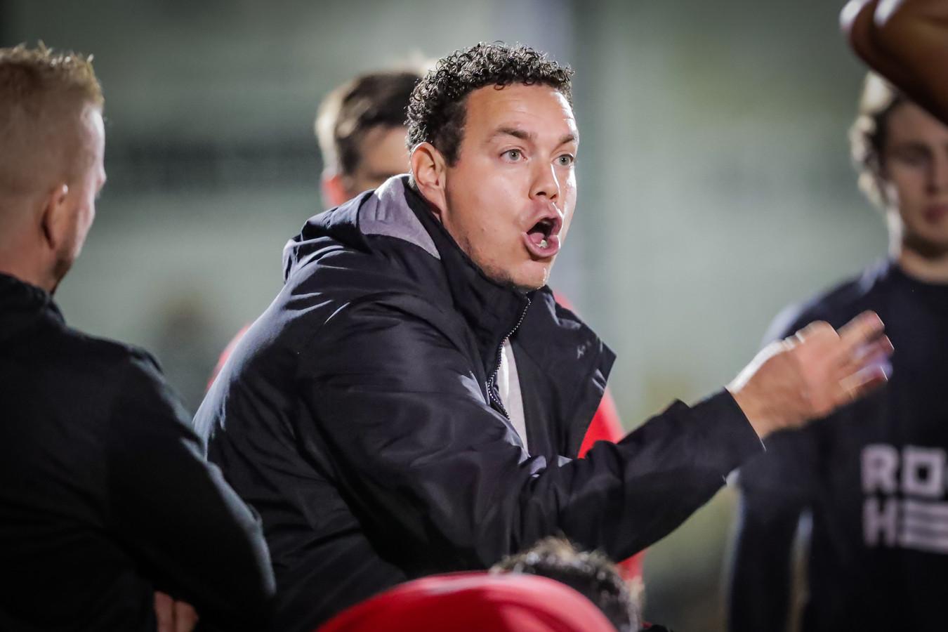 De trainersstaf blijft ongewijzigd. Kristof Meykens start zijn vijfde seizoen als hoofdtrainer en wordt bijgestaan door Nico Vanluyd (T2) en Mario Hanssen (keeperstrainer).