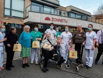 WZC Zonnetij viert succesvolle vaccinatiecampagne met smoutebollen